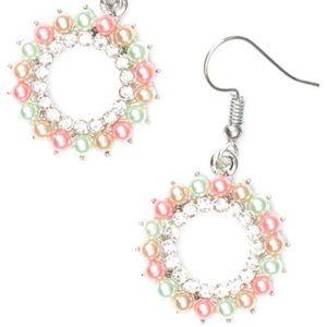 Mini pearls round earrings